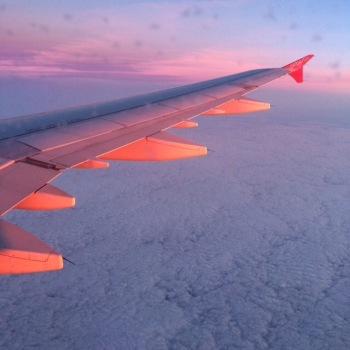 Flugzeugtragfläche beim Rückflug nach Deutschland und bei Sonnenuntergang